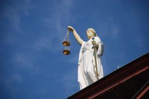 case-law-677940_1920