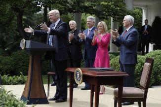 Trump prayer day clap